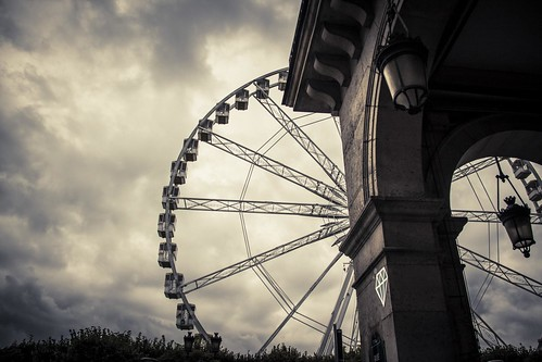 The Wheel and the Diamond (Rue de Rivoli, Paris) - Photo : Gilderic