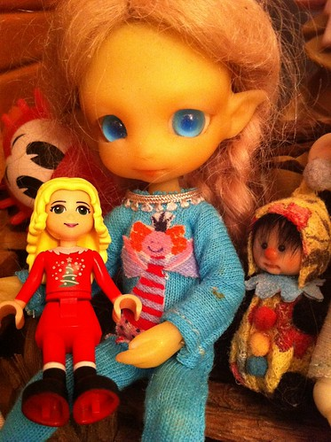 LeGo Advent 2012 Friends Day 6 - Phaedra Cuddles New Doll by DollZWize