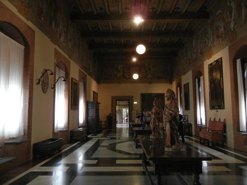 DSCN4698 _ Palazzo D'Accursio (Palazzo Comunale), Bologna, 18 October