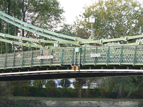 Hammersmith Bridge.jpg