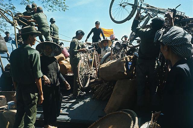 14 Jan 1967, Ben Suc - Di dời dân chúng khỏi Bến Súc, vùng do VC kiểm soát