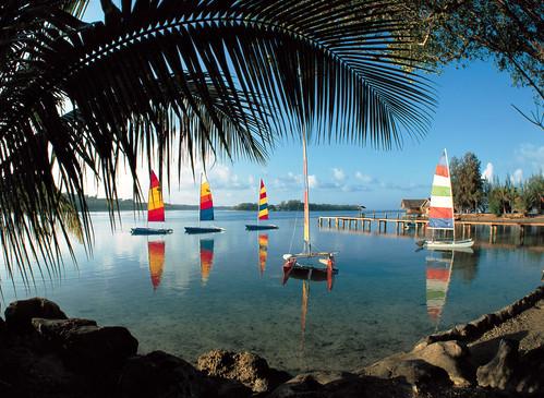 Vanuatu-boats_in_lagoon