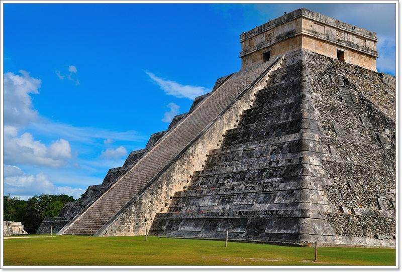 1羽蛇神金字塔1