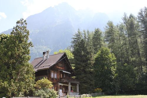 20120817_5830_Swiss-chalet