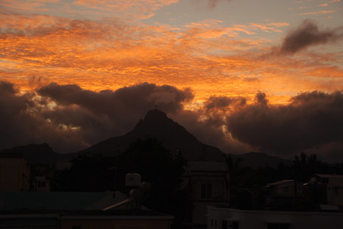 houses mountain sunrise mauritius flicenflac ilemaurice sooc