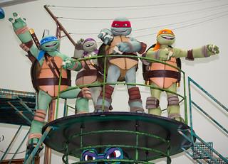 "Nickelodeon TEENAGE MUTANT NINJA TURTLES :: "" 86th Annual Macy's Thanksgiving Day Parade TEENAGE MUTANT NINJA TURTLES FLOAT"" ..peek iv / ..TMNT (( 2012 )) [[ Courtesy of TMNT Master & MACY'S ]]"