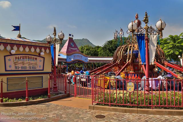 HKDL Oct 2012 - Wandering through Fantasyland