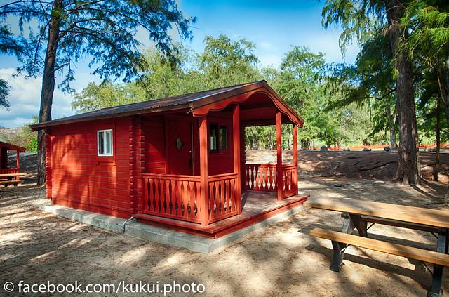 Bellows beach cabin hawaii beach oahu flickr photo for Cabins in oahu
