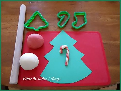 Candy Cane Play Dough (Photo from Little Wonders' Days)
