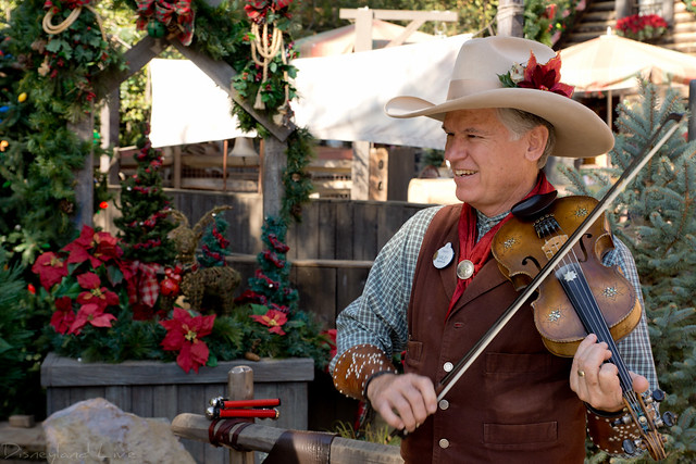 Farley, Disneyland fiddle player