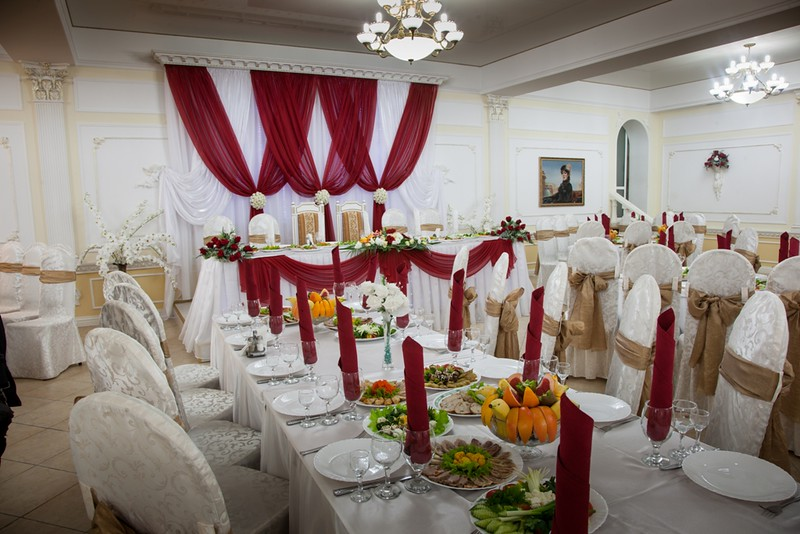 Ресторан Europa > Фото из галереи `Банкетный зал на 200 мест`