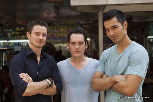 Hot Guys Who Cook 2_Oli Pettigrew_Adam Carruthers_Armando Reed_10 Dec 7pm DIVA Universal (3)