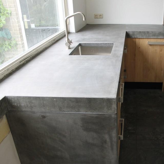 Houten Keuken Met Betonnen Blad : Massief eiken houten keuken met ikea keuken kasten door Koak design in