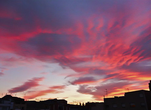Cielos en llamas / Burning Skies