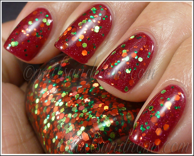 Pretty & Polished - Happy Holodays Duo (Red and Green Holo Glitter) 3