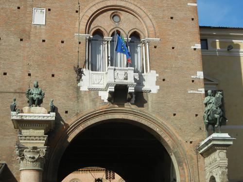 DSCN3747 _ Statue of Borso d'Este (l) and Marchese Niccolo III d'Este (r), Palazzo Municipale, Ferrara, 17 October