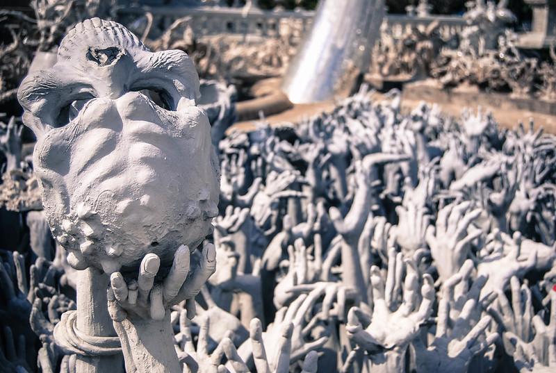 white temple chiang rai skulls