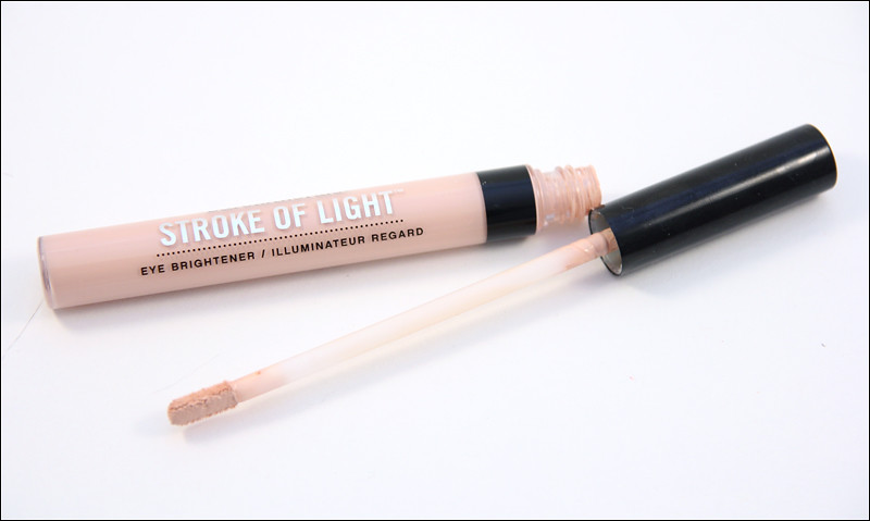 bareMinerals Luminous 1 Stroke of light eye brightener1
