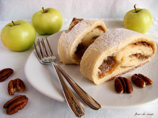 рулет яблочно-ореховый 1