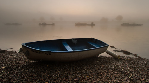 mist thames sunrise canon river boats dawn richmond efs1022mm 400d