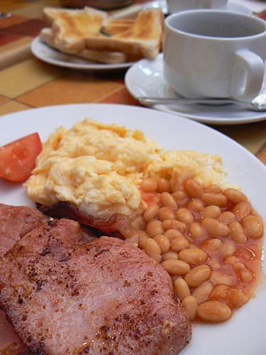 premier petit déjeuner.jpg
