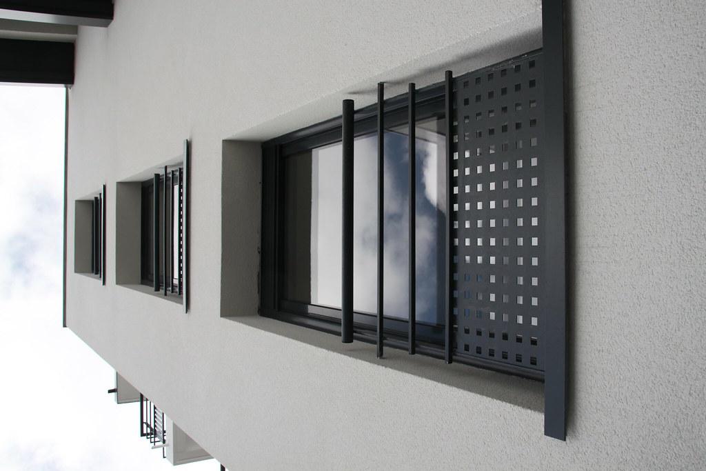 bureau de poste de merignac capeyron map gironde france. Black Bedroom Furniture Sets. Home Design Ideas