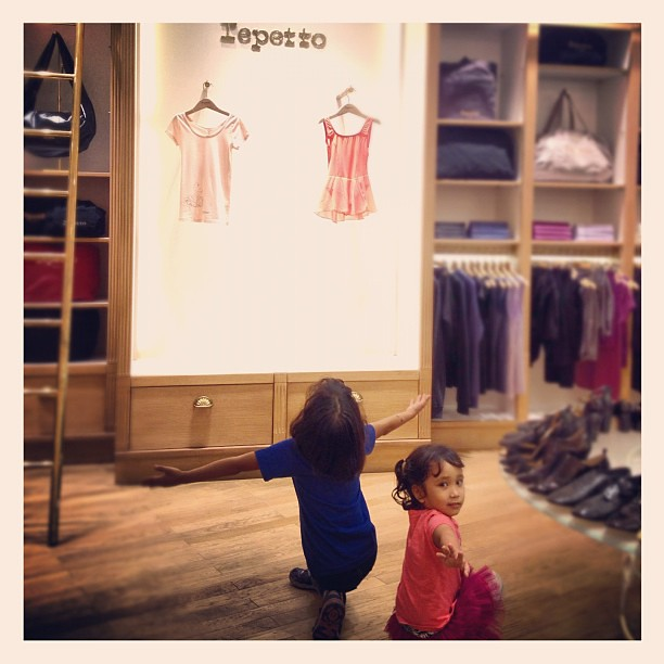 Swan Lake was playing in the store and the two ballerinas did their own interpretation. Haha. #repetto #lily #stella #dance