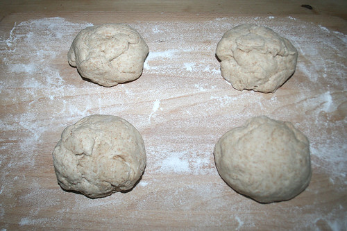 29 - Teig gleichmässig aufteilen / Divide dough