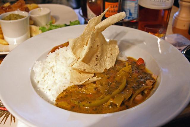 Tradionnal curry (poulet, végétarien, poisson) and mango chutney