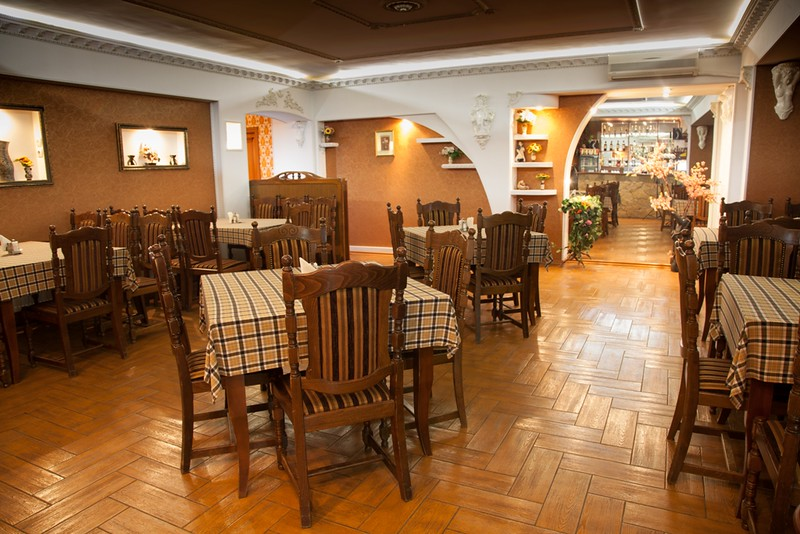 Restaurant Europa > Foto din galeria `Sala pentru 30 locuri`