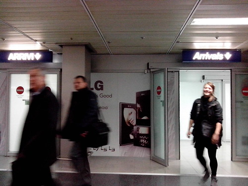 Arrivi all'aeroporto! by Ylbert Durishti