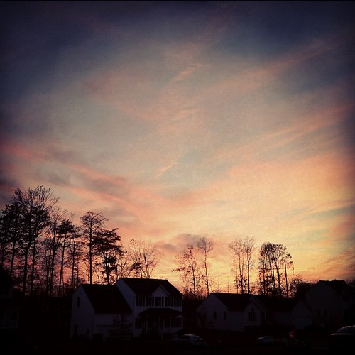 The neighborhood sky, in late autumn. Post-practice 5K, at :08:40 min/mi!