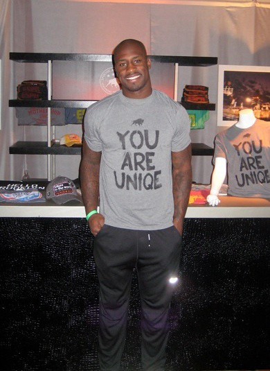 Vernon Davis - You Are Uniqe