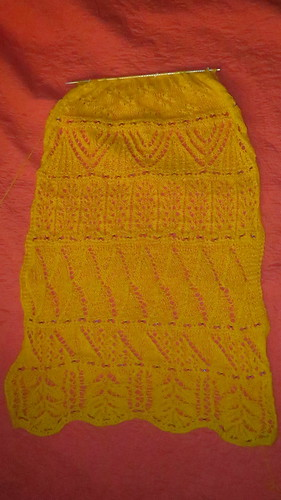 yellow advent scarf wip