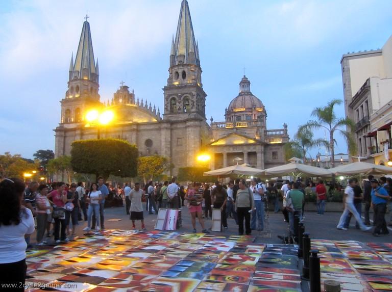 Plaza de Armas, Art sale, Guadalajara