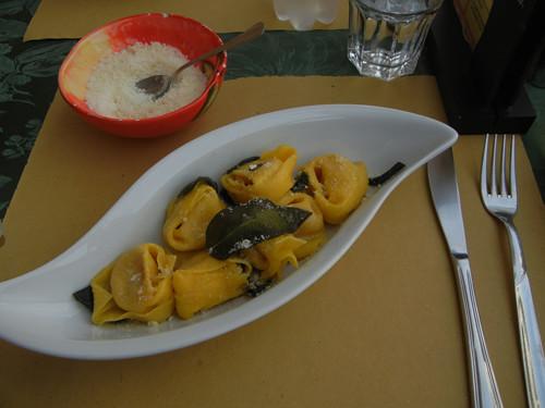DSCN4060 _ Lunch at Piazza Trento e Trieste, Ferrara, 17 October