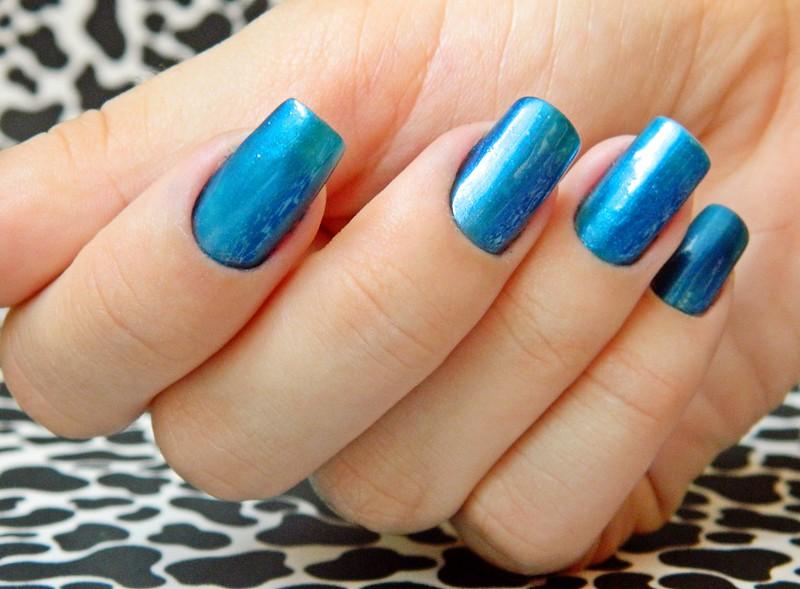 juliana leite blog unhas decoradas nail art azulcrination risque 004