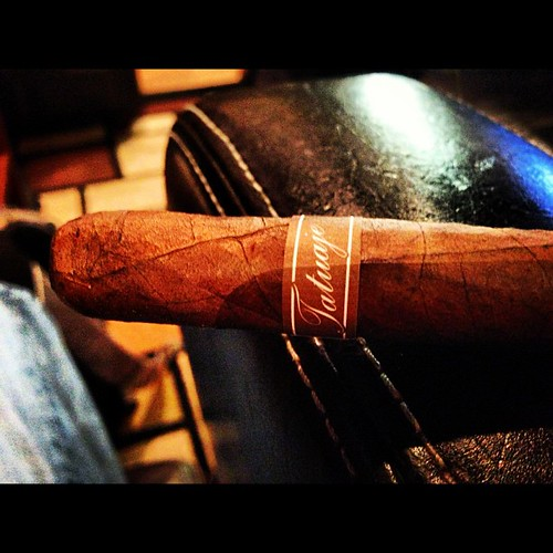 Start an evening with  @tatuajecigars Havana Cazadores