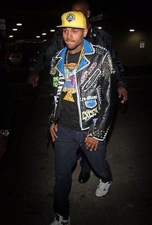 chris brown lamping in the hood
