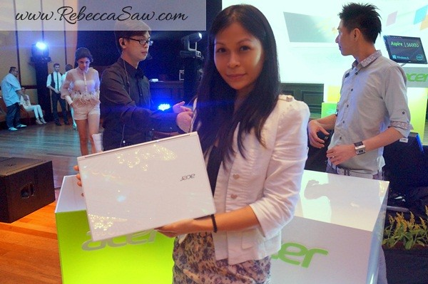 Acer Aspire S7 - Rebecca Saw