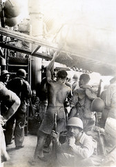 Yank troops unloading, Port Moresby, 1942