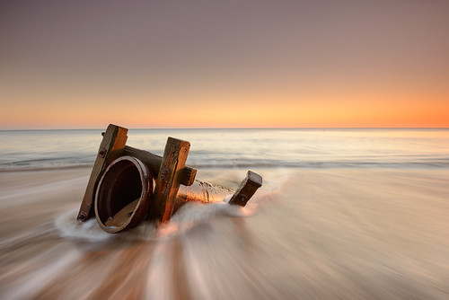 old seascape beach sunrise coast northumberland links blyth seatonsluice outletpipe gnd075he gnd045se nikkorafs1635mmƒ4gedvr