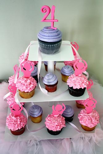 Jillys_Cupcake-Tower