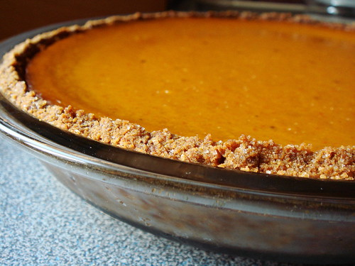 Ginger Not-Pumpkin Pie with Graham Crust: No Cracks