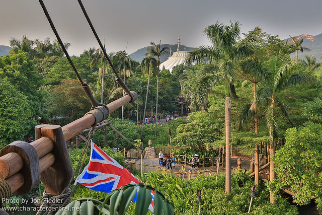 HKDL Oct 2012 - Exploring Tarzan's Treehouse