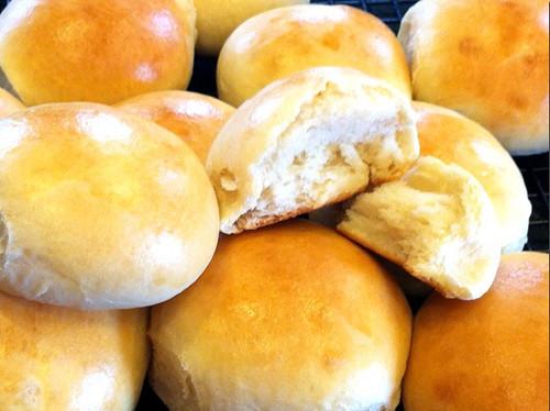 Mrs. Fields Secrets Potato Rolls
