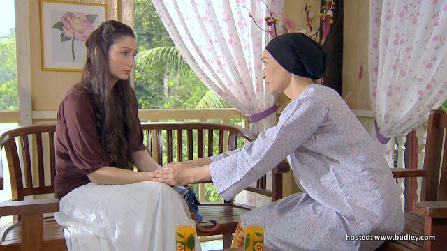 Shasha Saidin dan Wan Norazlin dalam Natrah
