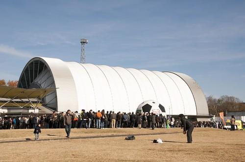 人いっぱいの所沢航空記念公園