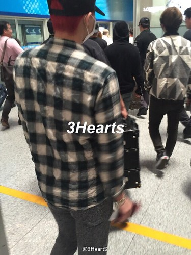 Big Bang - Beijing Airport - 07jun2015 - suckmy - 04