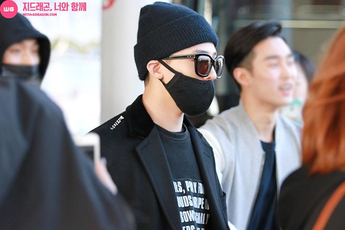Big Bang - Incheon Airport - 10apr2015 - G-Dragon - With G-Dragon - 04